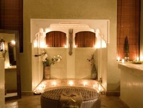 Luxueuse et élégante salle de bain du Lodge Art Déco