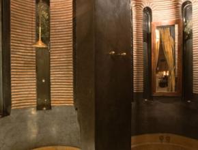 Salle de bain de bonne conception architecturale